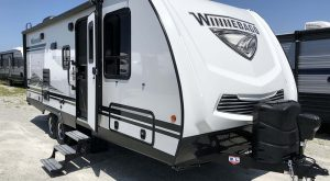 Trailer-Winnebago-Minnie-2201mb-Externa-01