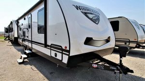 Trailer-Winnebago-Minnie-2500rl-Externa-01