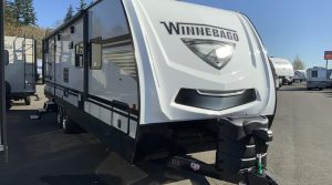 Trailer-Winnebago-Minnie-2801-bhs-Externa-01