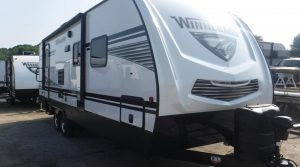 Trailer-Winnebago-Minnie-2701-rbs-Externa-01
