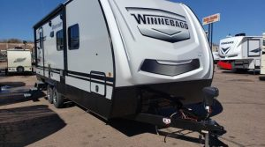Trailer-Winnebago-Minnie-2202-rbs-Externa-01