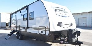Trailer-Winnebago-Minnie-2301-bhs-Externa-01